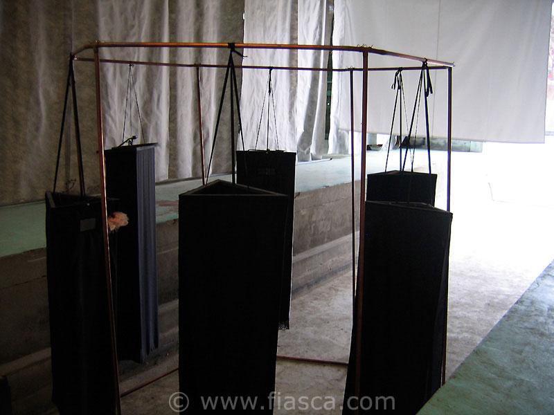 Installation Dévoilées - à Label Friche, La Perrière 61
