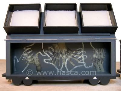 Malle dentelle, boîtes devant recevoir les futures dentelles du point d'Alençon